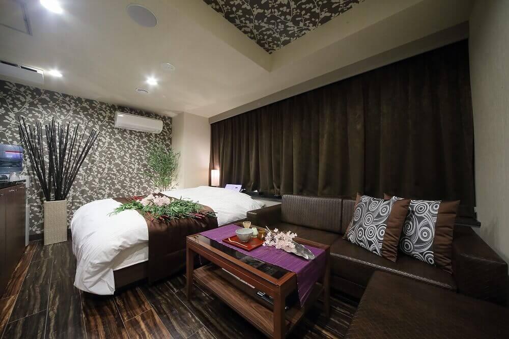 静岡インターラブホテル 艶 406号室 ベッド